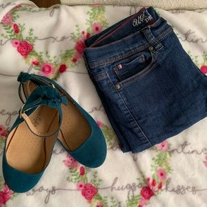 jeans and slippers